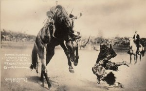 PENDLETON , Oregon, 1900-10s ; Female Rodeo , Bonnie McCarroll thrown from horse