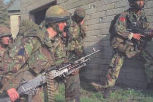 Army Soldiers w/ Rifles & Machine Guns, PC #4