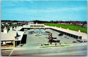 Jacksonville, NC Postcard DELUXE MOTOR LODGE Highway 17 Roadside Chrome c1950s