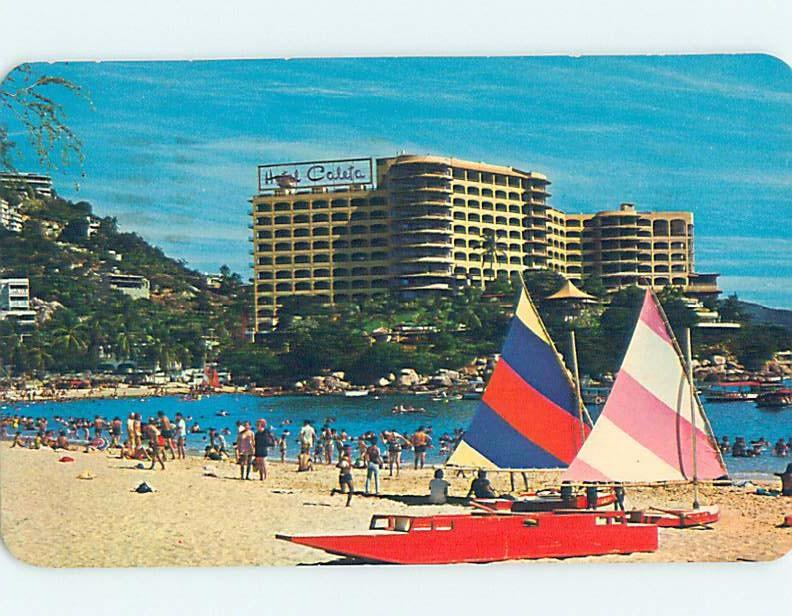 Pre-1980 SAILBOATS ON BEACH AT HOTEL Acapulco Mexico F6526