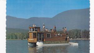 SALMON ARM , British Columbia , Canada, 40-60s; Westward Ho Houseboat Rentals