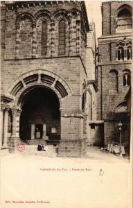 CPA Cathedrale du Puy - Porte du Fort (588934)
