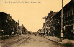 Vintage Postcard Second Ave Looking North Street Scene Decatur AL Morgan County