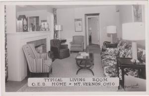 RP: MT VERNON , Ohio , 30-40s ; Living Room , O.E.S. Home