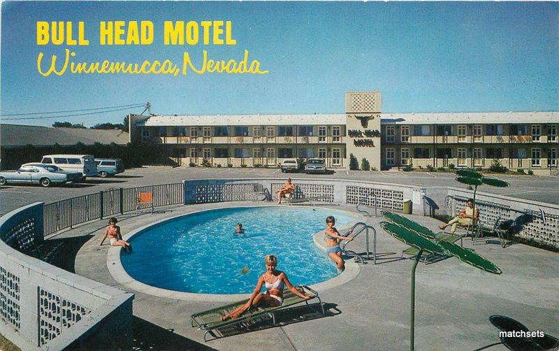 Bull Head Motel Pool Winnemucca Nevada roadside Roberts postcard 10003