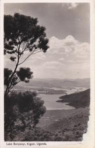 RP: Lake Bunyonyi , Kigezi , Uganda , 30-50s