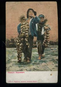 213740 ITALY NAPOLI costumes onion sellers Vintage postcard