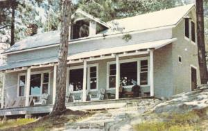 Dining room at Rogerson's Fly-in Smoky Lake Camp , Ontario , Canada , 40-60s