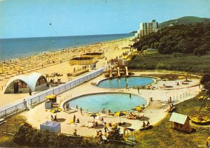 B108841 Bulgaria Albena der Badestrand Beach Swimming Pools Promenade