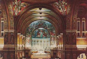 Fraance Lisieux Basilique Sainte Therese de Lisieux Interieur
