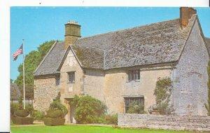 Northamptonshire Postcard - Sulgrave Manor      XX133