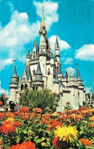 USA - Cinderella Castle Disneyland 01.64