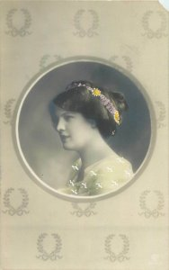 Glamour ladies head decoration early fashion postcard portrait