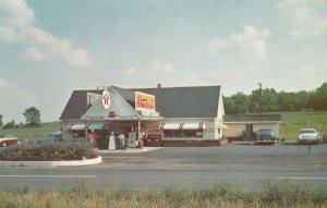 WARRENTON , Virginia, 1950-60s ; Stuckey's Pecan Shoppe, TEXACO Gas Station