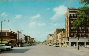 OTTAWA , Kansas , 1950-60s : Main Street
