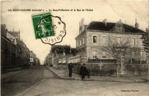 CPA Saint-Nazaire La Sous Prefecture et la Rue de l'Ocean (610854)