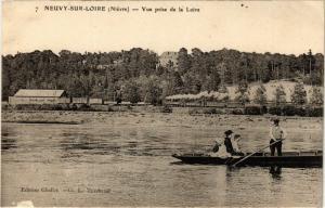 CPA NEUVY-sur-LOIRE - Vue prise de la Loire (293130)