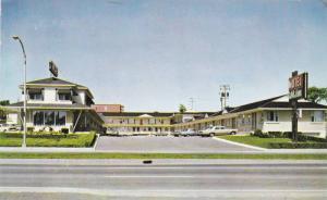 Exterior,  Motel L'Abitation Inc.,  Laurier,  Quebec,  Canada,   PU_40-60s
