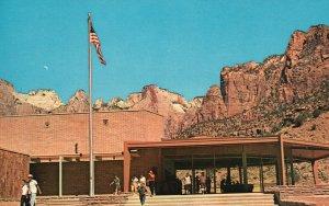 Zion National Park, Utah, UT, Visitor's Center, Chrome Vintage Postcard g9267