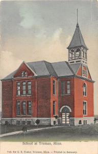 B71/ Truman Minnesota Mn Postcard c1910 School Building