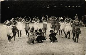 CPA carte photo CHAMPAGNE-sur-SEINE Photog. A. Pons Enfants en costume (861394)