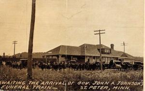St Peter Minnesota Waiting For Funeral Train Scene Antique Postcard K103779