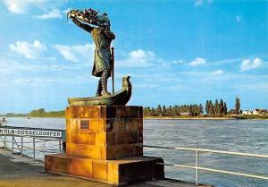 Worms am Rhein Nibelungen-Denkmal Statue Monument