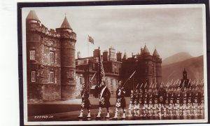P1450 1923 used RPPC the palace holyroodhouse edinburburgh england