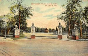 St Louis Missouri~O'Fallon Park Entrance~Four Ornate Pillars at Gate~1909 PC