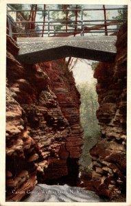 New York Watkins Glen Cavern Gorge