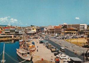 GUADELOUPE - Pointe -a-Pitre , Place de la Victoire , 50-70s