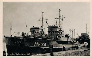 Den Helder Buitenhaven met Mijnenruimers Minesweepers Battleships RPPC 06.24