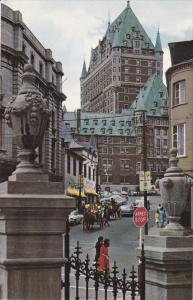 Chateau Frontenac, Fort Street, Horse Carriage, Classic Cars, QUEBEC CITY, Qu...