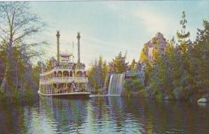 Disneyland Mark Twain STernwheeler Rivers Of America