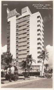 RP: MIAMI BEACH , Florida , 30-40s ; Shelborne Hotel