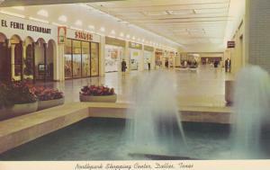 DALLAS , Texas , 50-60s ; Northpark Shopping Center, Fountain