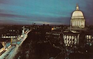 MADISON , Wisconsin , 1940-60s ; Capitol Square at Night