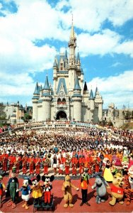Walt Disney World Cinderella Castle  Mickey Mouse and Cast Of Thousands