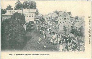 VINTAGE POSTCARD SIERRA LEONE: FREETOWN - SCHOOL PICNIC