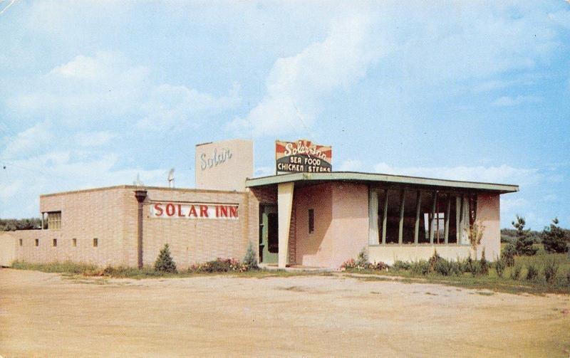 Ames Iowa~Art Deco Solar Inn~Serves Seafood~Abandoned Parking Lot 1950s