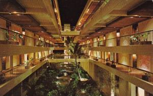 Hawaii Mauna Kea Beach Hotel Interior Courtyard
