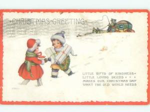 Pre-Linen Christmas KIDS WALKING WITH GIFT PACKAGES AB5372