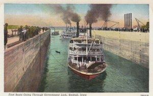 KEOKUK , Iowa , 1910-30s ; First Boats , Government Lock