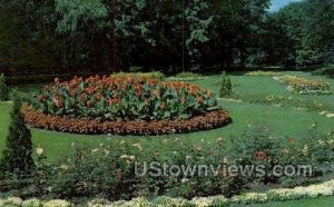 Potter Park Formal Garden in Lansing, Michigan