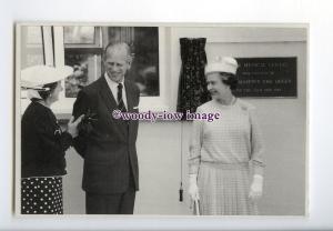 er0019 - Queen & Duke of Edinburgh open Sark Medical Centre in 1989 - postcard