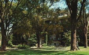 Providence, RI, University of Rhode Island, Washburn Hall, Chrome Postcard g9006