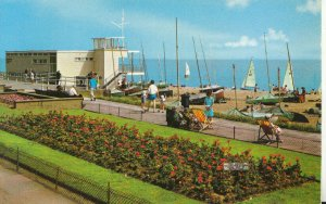 Sussex Postcard - The Sailing Club - Bexhill on Sea - Ref TZ5795