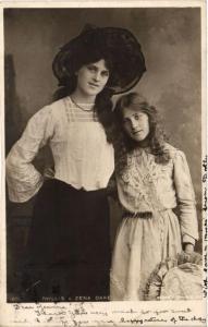 CPA Phyllis & Zena Dare THEATRE STAR (642488)