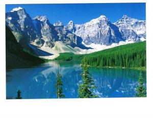 Moraine Lake, Valley of the Ten Peaks, Canadian Rockies,