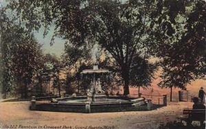 Michigan Grand Rapids Fountain In Crescent Park 1916